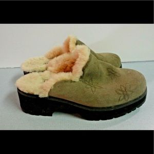 Ugg slip on clog mule suede sheepskin lined sz7